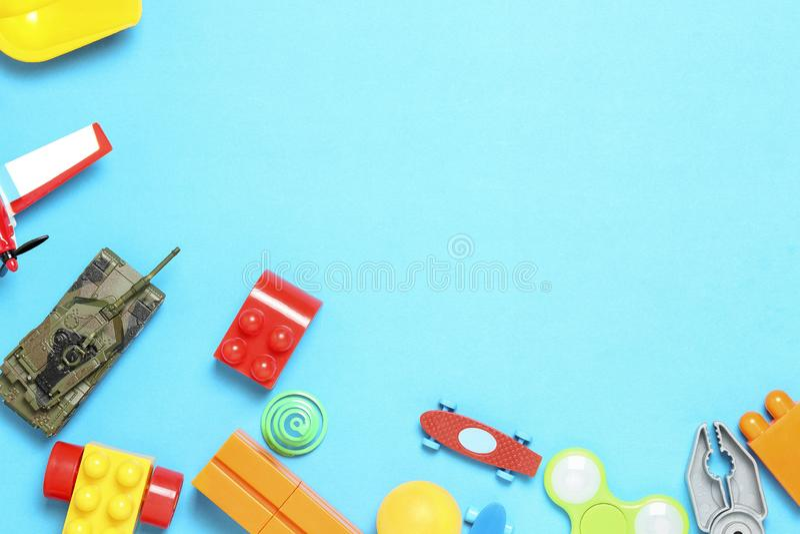 Giocattoli sul blu immagini stock libere da diritti