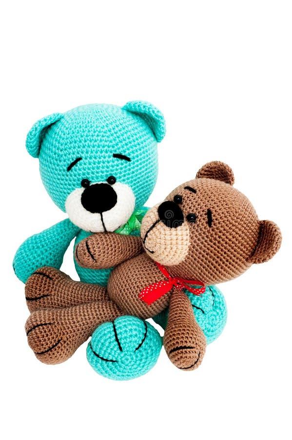 Giocattolo tricottato - due orsi barrati di seduta fotografia stock libera da diritti