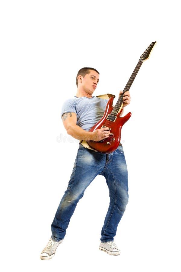 Gioco appassionato del chitarrista isolato su bianco immagini stock libere da diritti