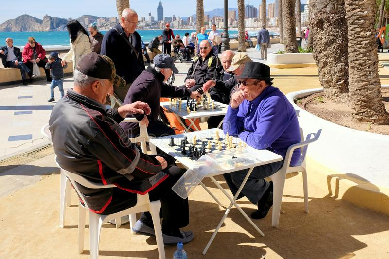 Gioco degli scacchi, Benidorm, Spagna fotografia stock libera da diritti