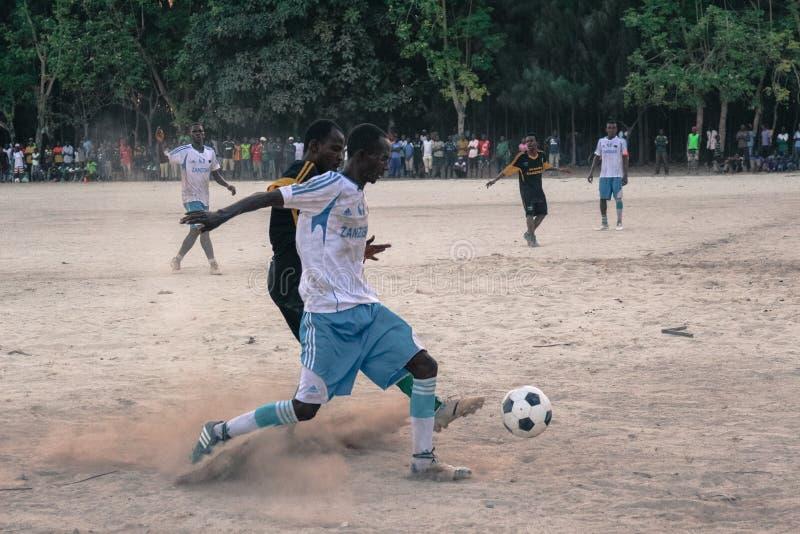 Gioco del fotball del villaggio di Zanzibar Jambiani immagine stock libera da diritti