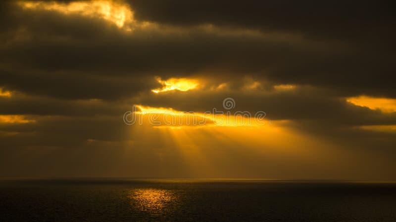 Gioco del nascondino con il Sun immagini stock libere da diritti