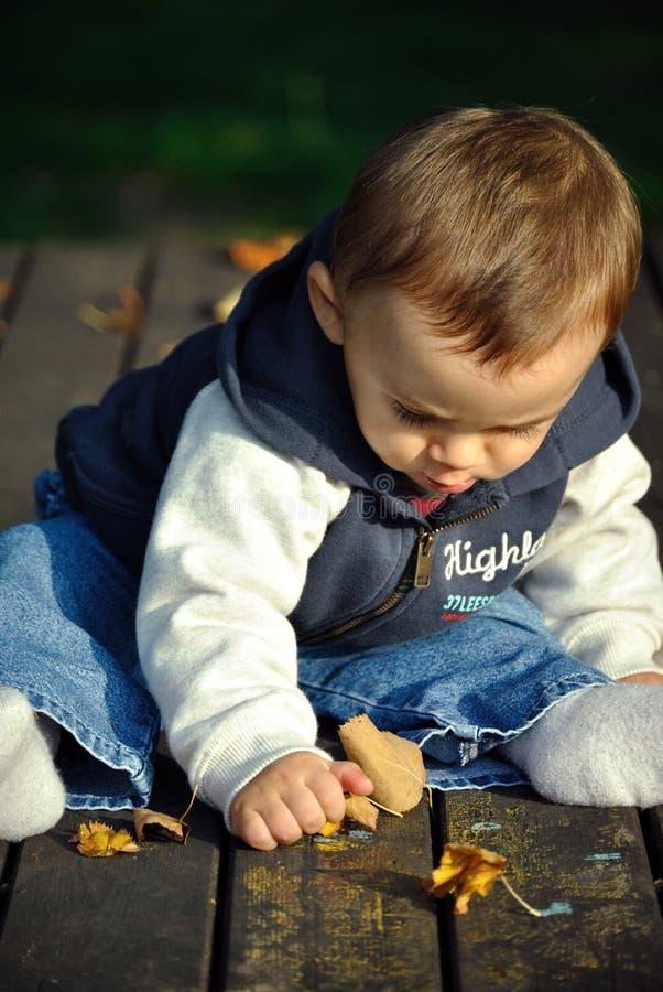 Gioco del neonato fotografia stock libera da diritti