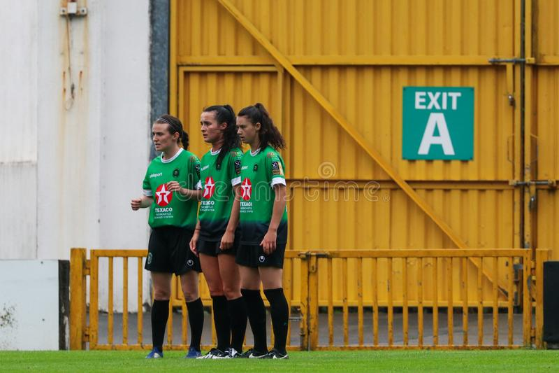 Gioco della lega nazionale delle donne: Galway WFC contro Peamount si è unito immagini stock