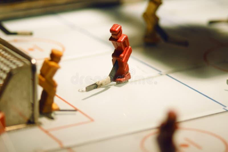 Gioco della Tabella con le figure dei giocatori di hockey fotografia stock