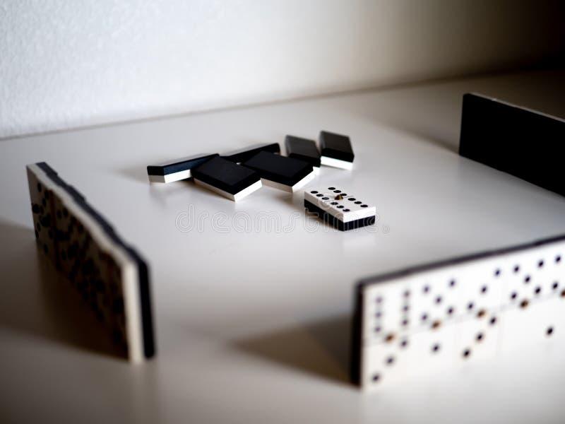 Gioco di domino Concetto immagini stock