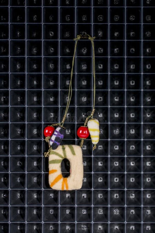 Gioielli della lana del Boho Felted delle donne fotografia stock libera da diritti