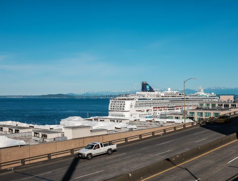 Gioiello norvegese della nave da crociera messo in bacino a Seattle immagine stock libera da diritti