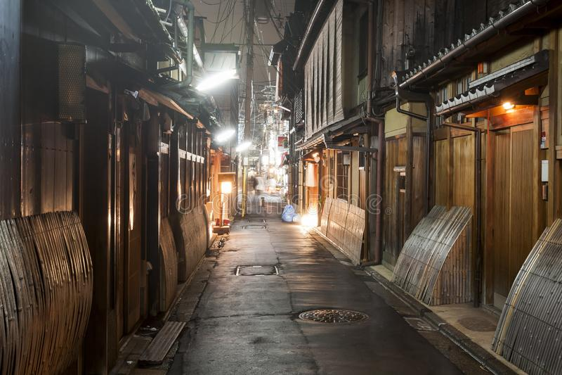 Gion το παλαιό αρχαίο κέντρο του Κιότο τη νύχτα, Ιαπωνία στοκ εικόνα με δικαίωμα ελεύθερης χρήσης