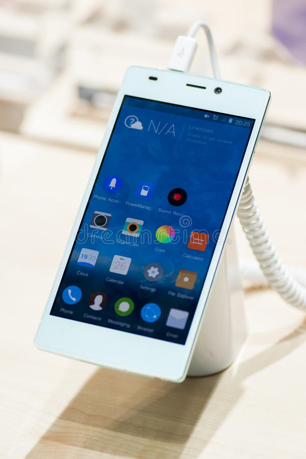 GIONEE E7, MOBILE WORLD CONGRESS 2014