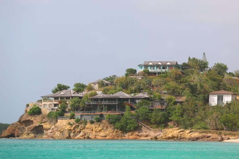 Giorgio Armani ` s Cliffside odwrót w Antigua lokalizował przy galery zatoką obrazy royalty free