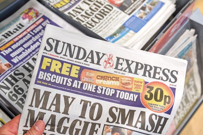 Giornale preciso di domenica immagini stock