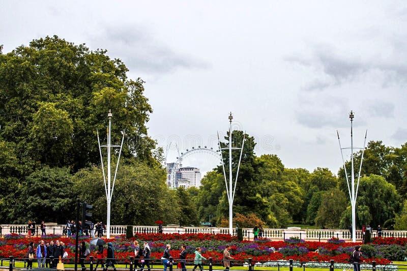 Giornata indaffarata a Londra immagini stock
