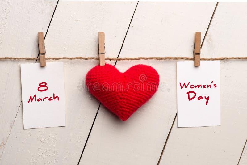 Giornata internazionale della donna felice, l'8 marzo, cuore e testo fotografia stock libera da diritti
