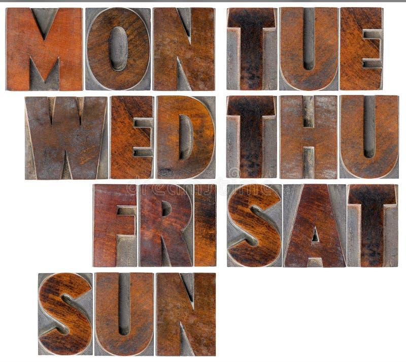 Giorni della settimana nel tipo di legno fotografia stock libera da diritti