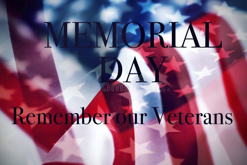 Giorno dei Caduti e bandiere americane del testo illustrazione di stock