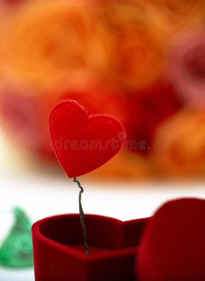 Download Giorno Del Biglietto Di S. Valentino Fotografia Stock - Immagine di decorazione, cuore: 208394