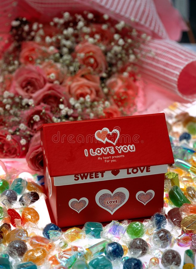 Download Giorno Del Biglietto Di S. Valentino Immagine Stock - Immagine di casella, rose: 208395