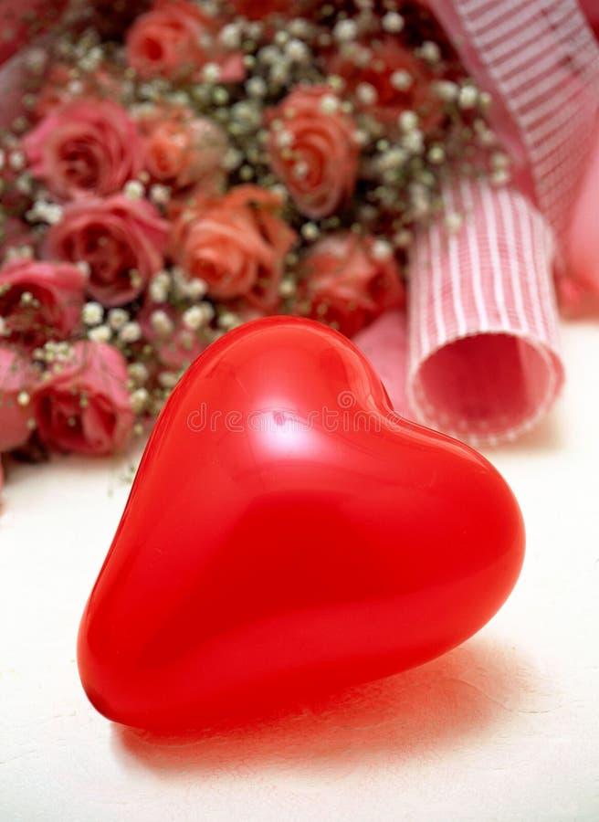 Download Giorno Del Biglietto Di S. Valentino Fotografia Stock - Immagine di presente, romantico: 208418