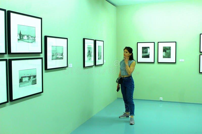 Giorno del museo mosca Camera del fotografo humans immagini stock libere da diritti