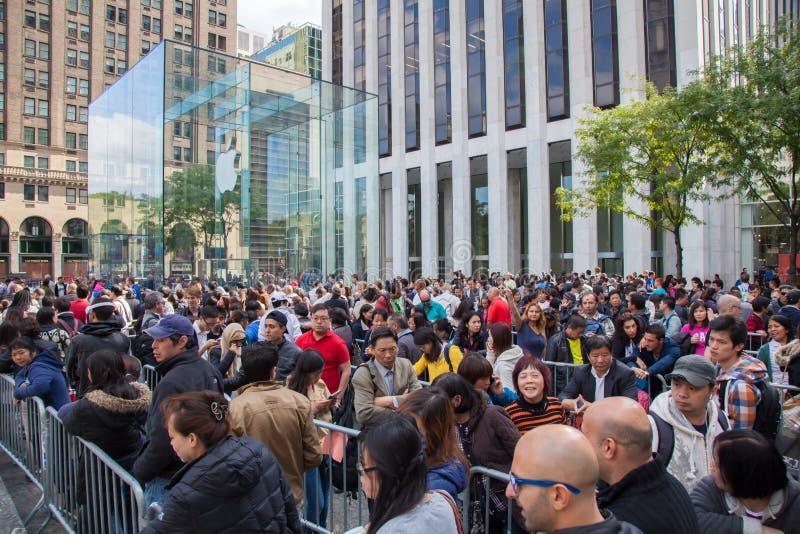 Giorno del rilascio di IPhone 6 in New York immagine stock libera da diritti
