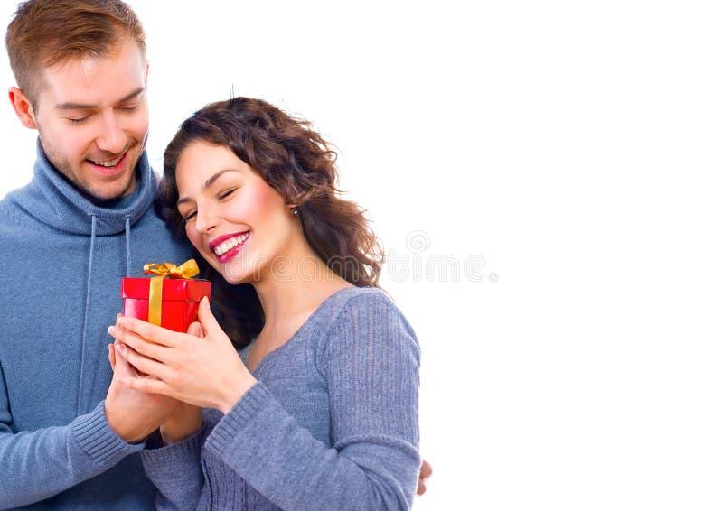 Giorno del `s del biglietto di S Giovani coppie felici fotografia stock