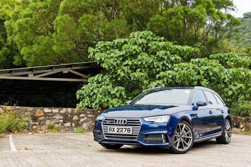 Giorno dell'azionamento di quattro di Audi A4 Avant 45 TFSI fotografia stock