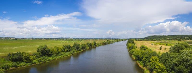 Giorno di estate su Dnepr fotografia stock