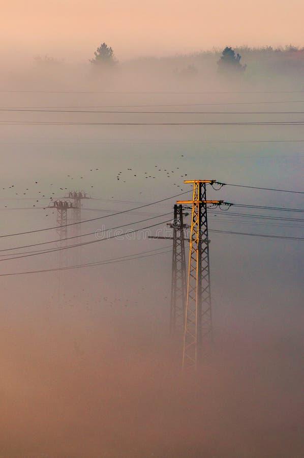 Giorno nebbioso in Yambol, la Bulgaria immagini stock