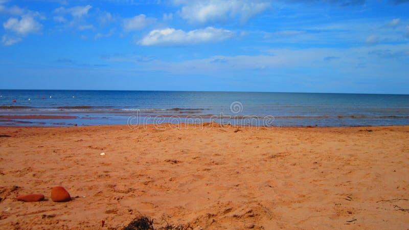 Giorno pieno di sole della spiaggia fotografie stock libere da diritti