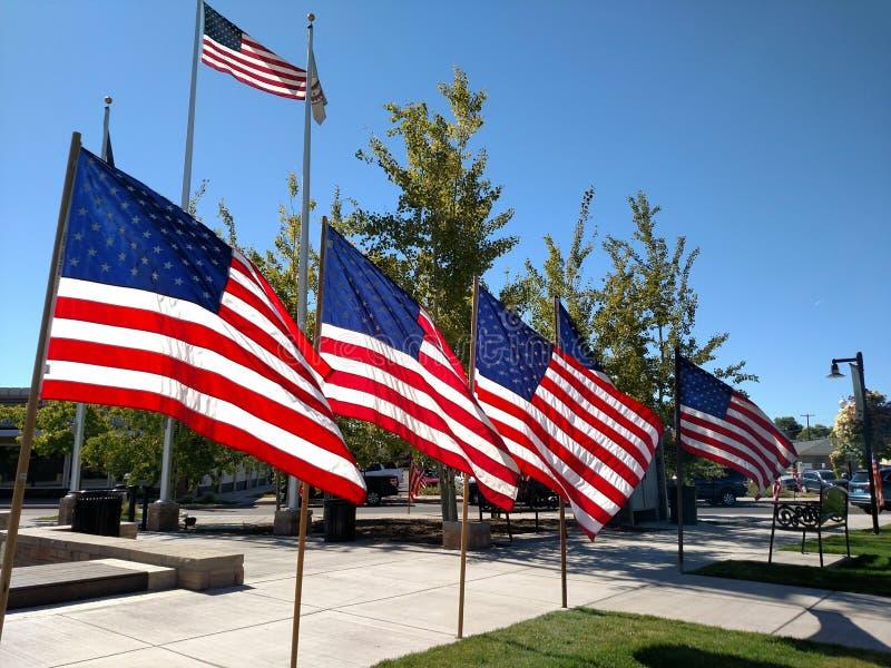 Giorno Redmond Oregon della città della bandiera americana fotografie stock libere da diritti