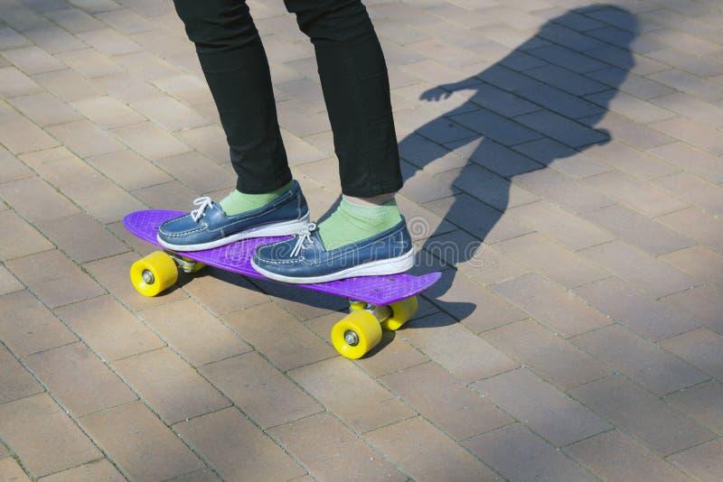 Giorno soleggiato piacevole per pattinare, immagine stock