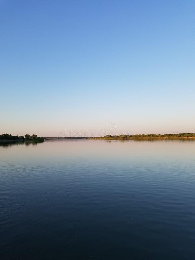 Giorno sul fiume fotografie stock libere da diritti