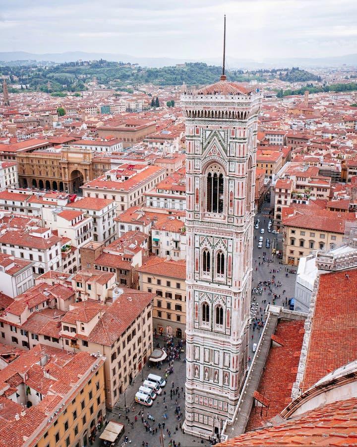 Giotto's Campanile från överkant av Florence Duomo royaltyfria bilder