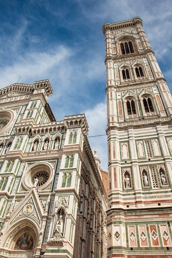 Giotto Glockenturm und Florence Cathedral widmeten im Jahre 1436 lizenzfreie stockfotos