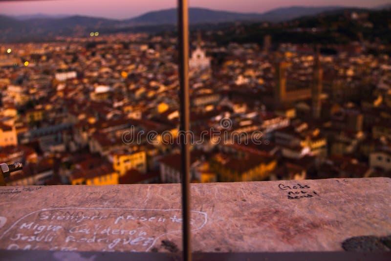 Giotto 's hoogste Campanile bij zonsondergang stock foto