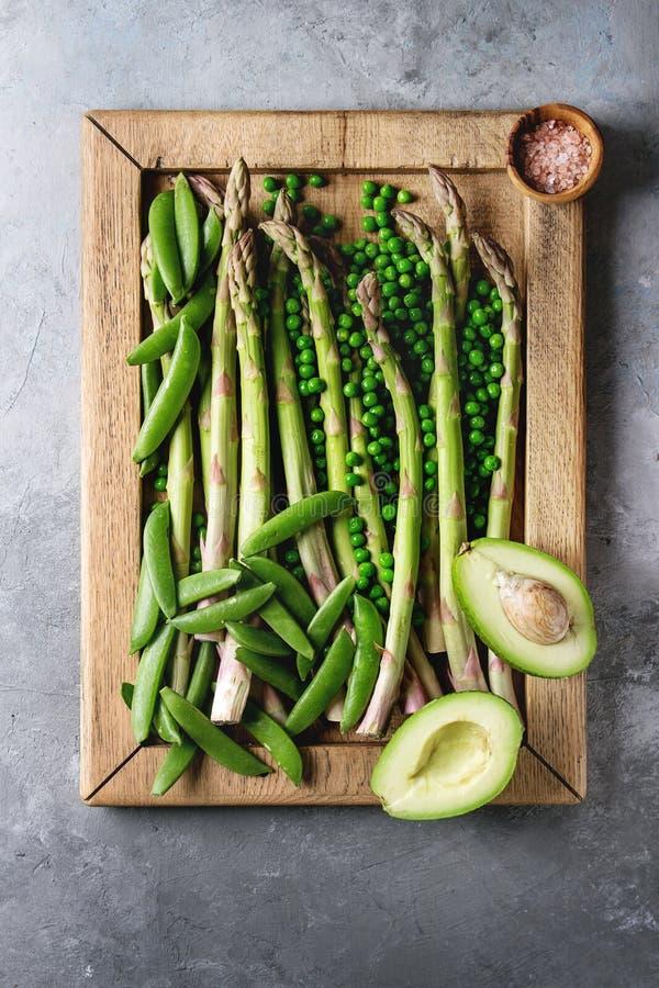 Giovane asparago verde immagini stock libere da diritti