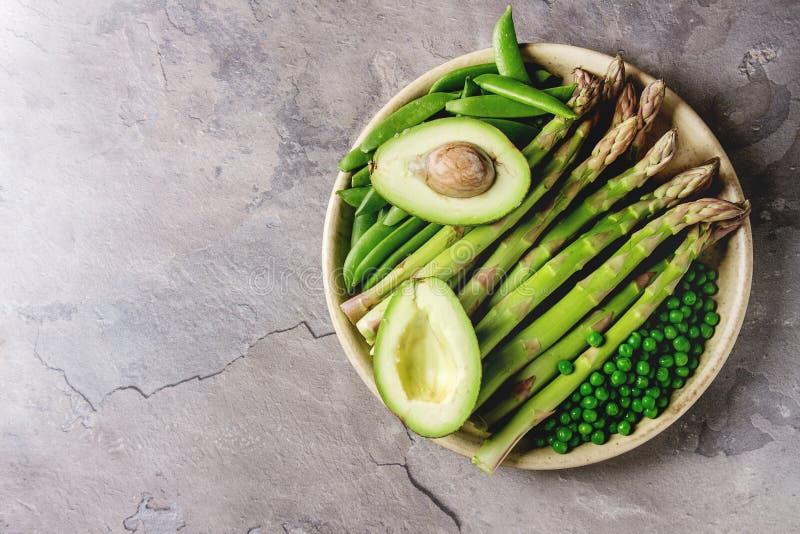 Giovane asparago verde fotografie stock libere da diritti