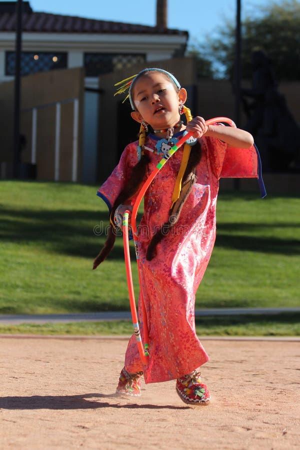 Giovane ballerino femminile del cerchio immagini stock libere da diritti