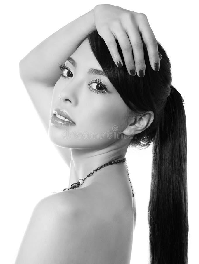 Giovane Bella Donna Asiatica Con Pelle Perfetta Ed I ...