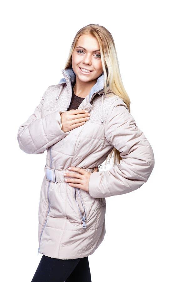 Download Giovane bella donna bionda immagine stock. Immagine di tasti - 56893549