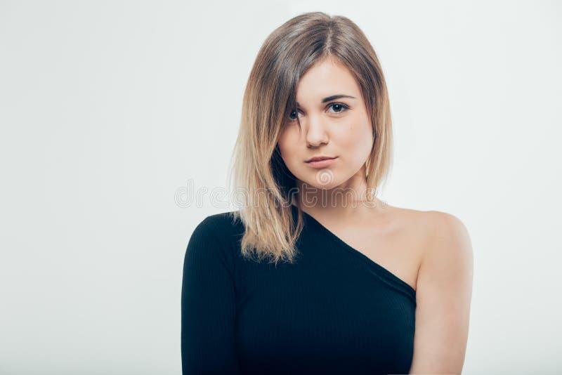Giovane bella ragazza sveglia che mostra le emozioni differenti fotografia stock libera da diritti