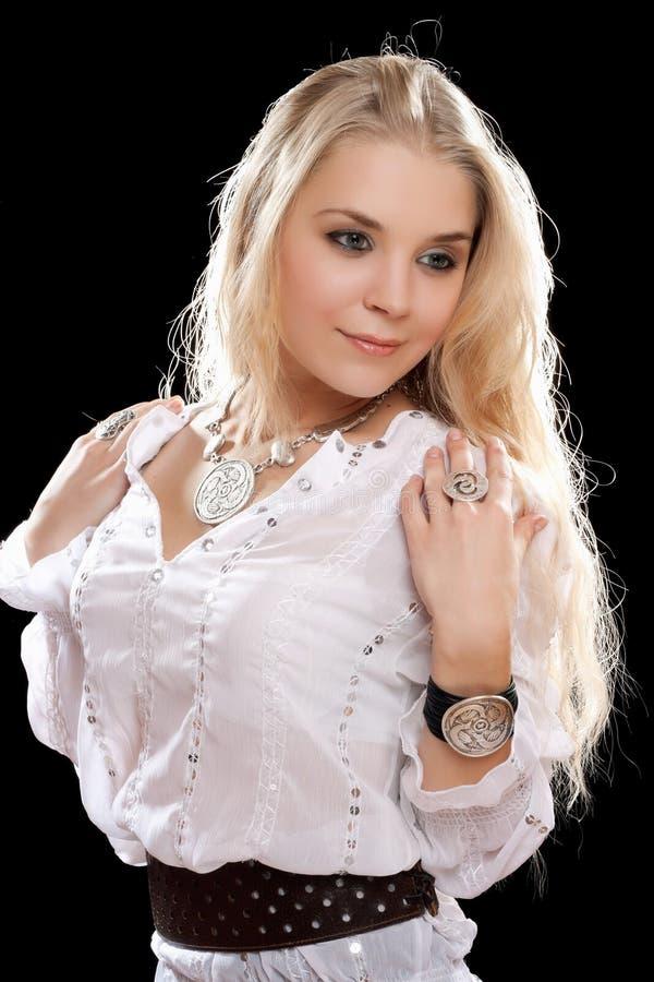 Giovane blonde in camicia bianca immagine stock libera da diritti