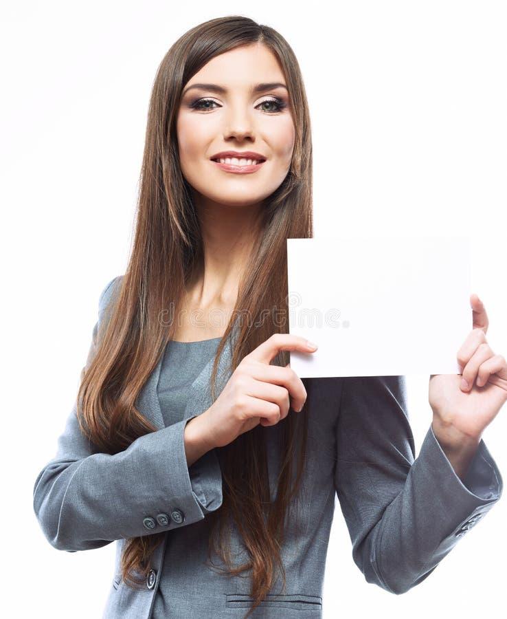 Giovane bordo sorridente della tenuta della donna di affari, porto bianco del fondo immagine stock libera da diritti