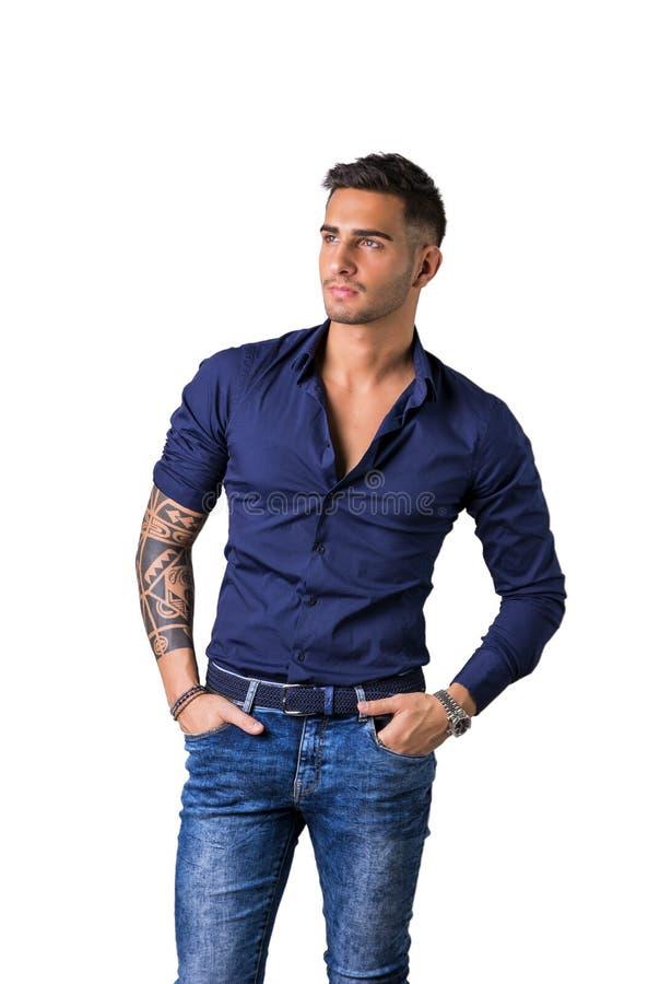 98932e36d5 Giovane In Camicia E Jeans Blu Immagine Stock - Immagine di ritratto ...