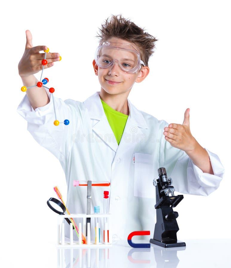 Giovane chimico entusiasta immagine stock