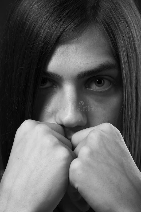 Download Giovane con capelli lunghi fotografia stock. Immagine di modello - 7311310