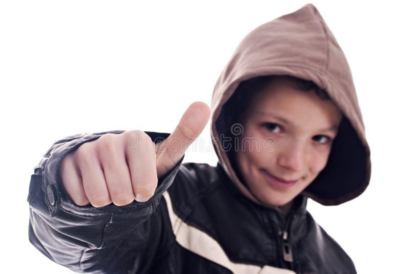 Giovane, con il segno dell'approvazione immagine stock libera da diritti