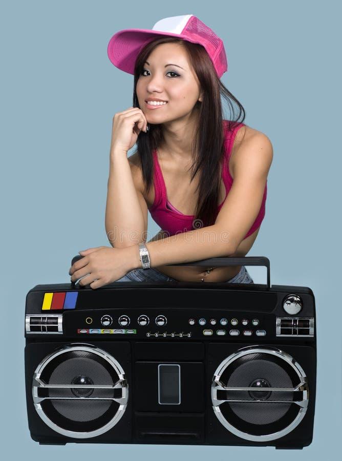 Giovane danzatore teenager attraente del luppolo dell'anca fotografia stock libera da diritti
