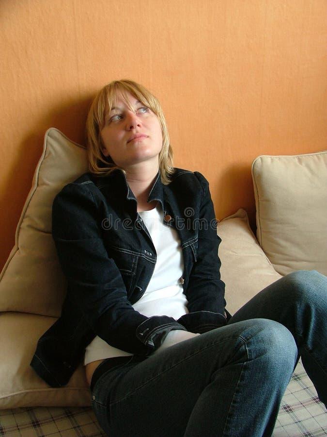 Download Giovane donna fotografia stock. Immagine di front, premuroso - 207526